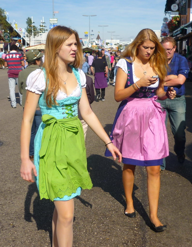oktoberfest dress-up style